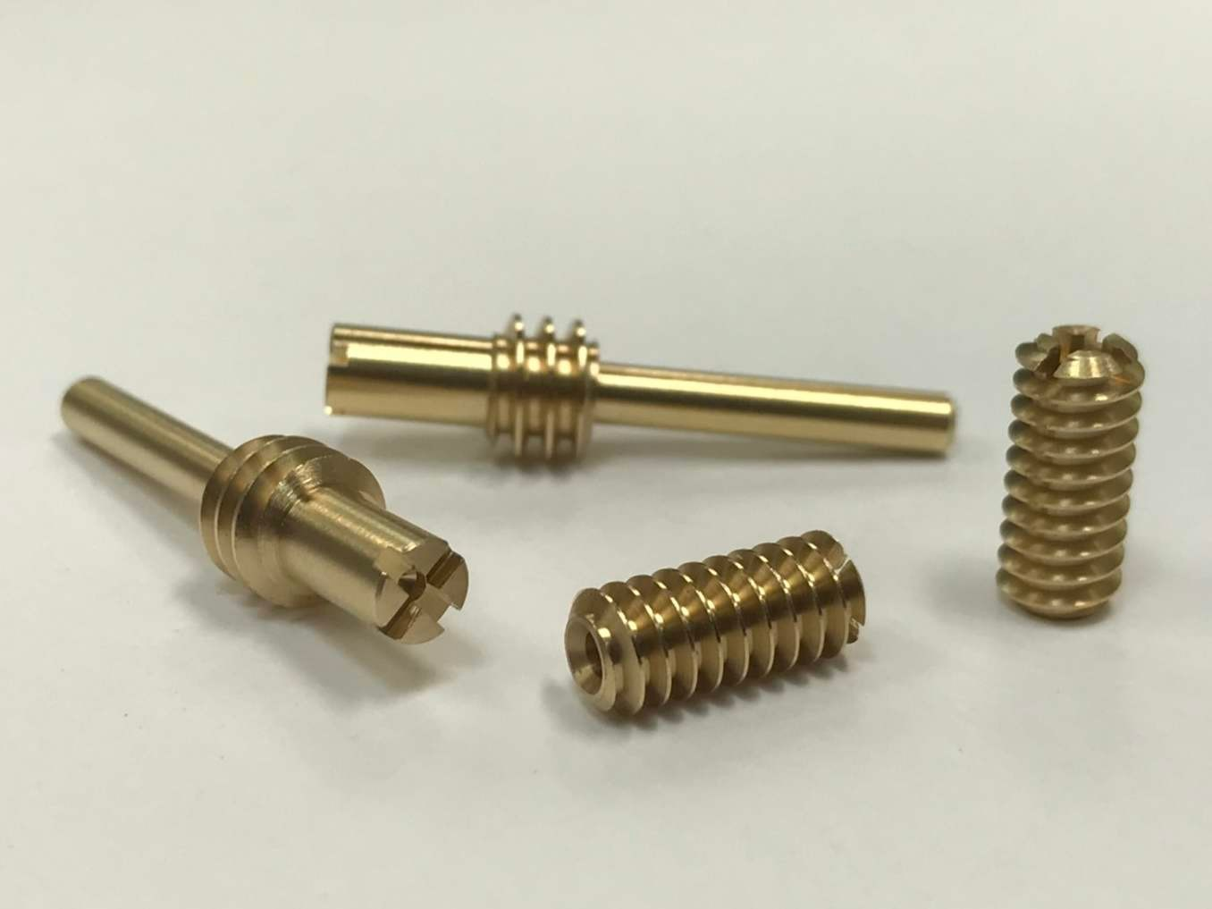 CNC precision lathe processing-screw